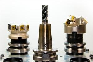 タングステンの買取を依頼する際は超硬チップ(工具)や希少金属