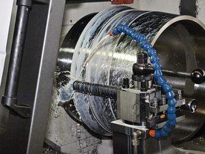 鉄鋼材料であるハイス鋼とダイス鋼